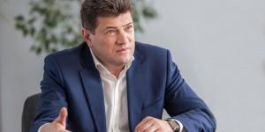 """Совпадение: Буряк взял отпуск на день, когда подписывалось решение о вырубке деревьев в районе """"Украины"""""""