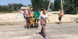 """Житель Запорожской получил перелом, прыгнув в воду """"бомбочкой"""""""