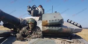 Под Бердянск пригнали танки (Фото)