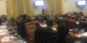 Не выдержали: после десятичасового сессионного дня зал покинули несколько депутатов