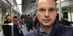 """""""Чем мы занимались эти 13 лет?"""" – директор """"Запорожстали"""" поделился фото из китайского метро"""