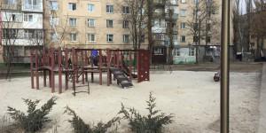 Парк на костях: в области на детскую площадку завезли землю с человеческими останками (Фото)
