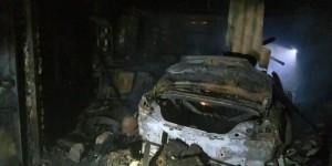 В Запорожской области гараж сгорел вместе с двумя машинами (Фото)