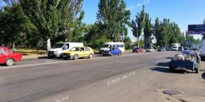 На дорогах к запорожским курортам образовались пробки