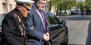 """""""Есть люди эпохи"""": Порошенко наградит запорожского ветерана, отметившего 100-летие"""