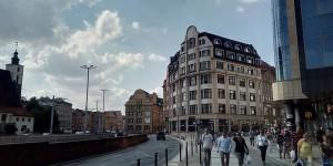"""""""Они сделали шаг вперед, мы - два назад: запорожский журналист рассказал о ценах и жизни в польском городе"""