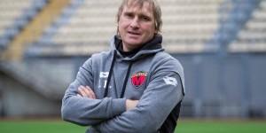 """В муниципальном """"Металлурге"""" прокомментировали информацию об увольнении легендарного тренера"""