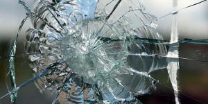 Житель Запорожской области забросал камнями зал свидетелей Иеговы