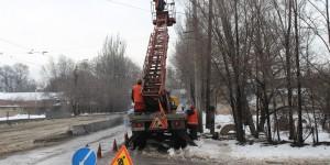 В Запорожье дополнительно освещают опасные пешеходные переходы