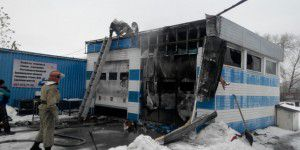 В Запорожье загорелся автопокрасочный цех