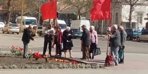 В Запорожской области пенсионеры вышли отмечать день рождения Ленина