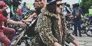 В шубах и вышиванках по Запорожью прокатились свыше 5000 велосипедистов