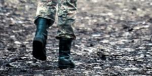 Солдат не вернулся с командировки в воинскую часть, потому что ремонтировал разбитое неизвестными авто