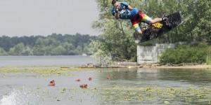 Полезный обзор: где в Запорожье заняться водными видами спорта и сколько это стоит