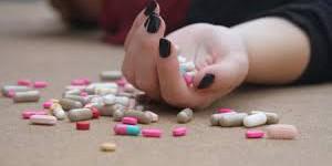 Под Запорожьем из-за наркотиков умерла старшеклассница