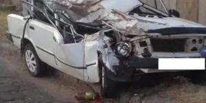 """Восстановлению не подлежит: водитель """"Жигулей"""" влетел в стоящий прицеп (Фото)"""